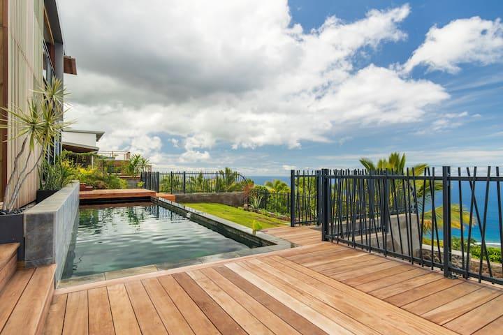 Bel appartement avec vue panoramique et piscine