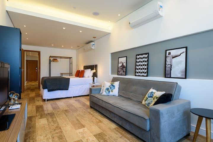 Conforto, modernidade e estilo para uma experiência muito especial.   O mais bonito e top aluguel de temporada Copacabana Rio no Airbnb. A Melhor Escolha para sua estadia!  https://airbnb.com/h/rio-panoramico