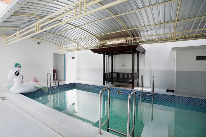 Surabaya Private Pool and Home @kolamkeluarga