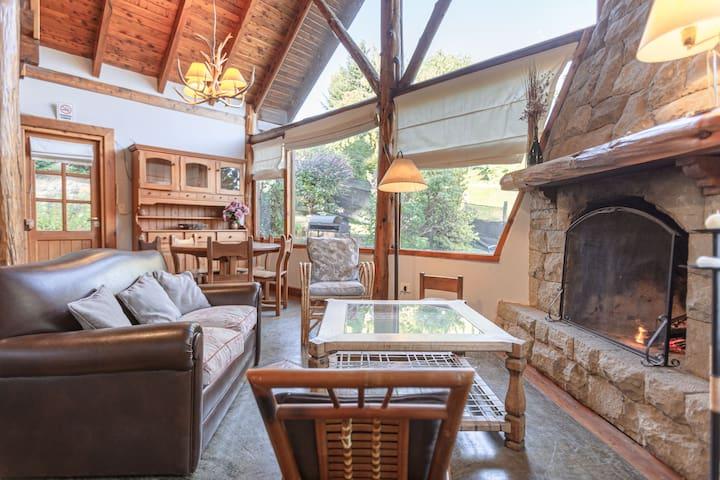 Casa en la ladera del Cerro Otto D.T.N. 169/2014