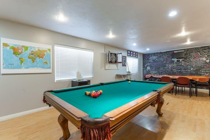 Draper home w/game room...close to 9 ski resorts