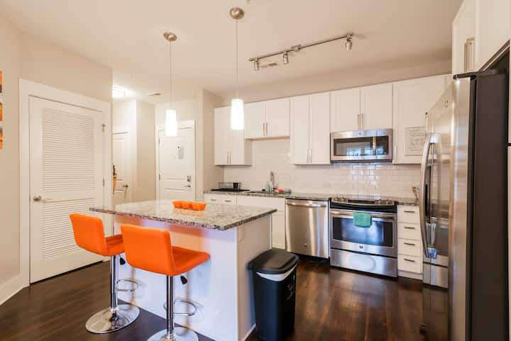 Luxury Dilworth 1BR ◉ Near Food, Shops & Greenway