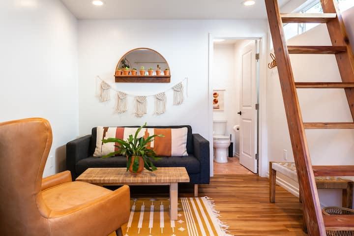 Modern Studio + Loft! Close to Downtown! Walkable!