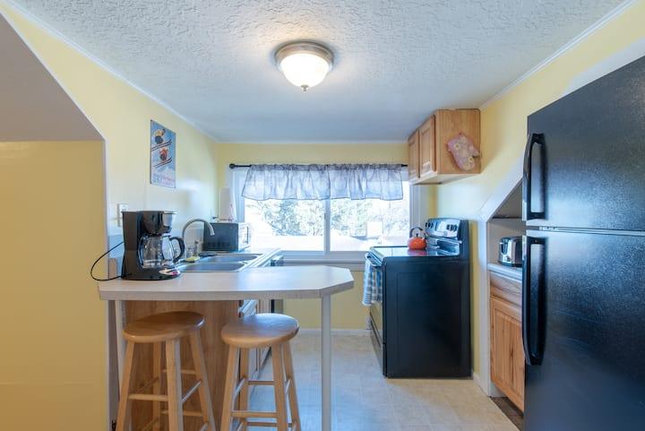 Rustic Millcreek Getaway Suite