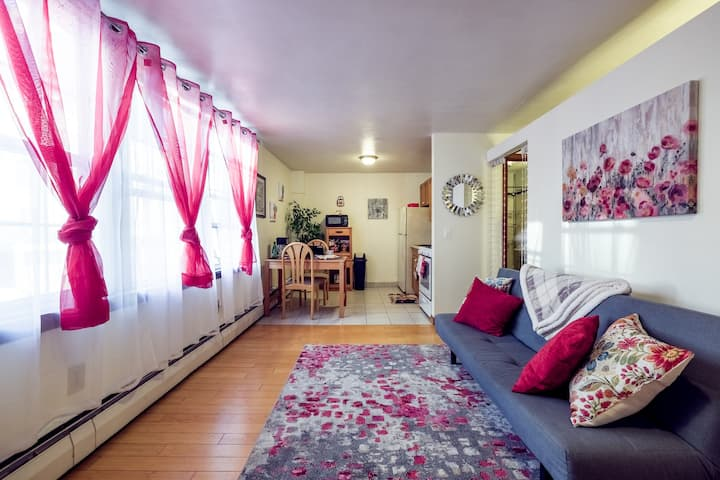 Clean, cozy and central: ideal for any stay!