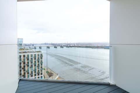 Luxurious Penthouse w/ Stunning Views ExCel O2 LCY