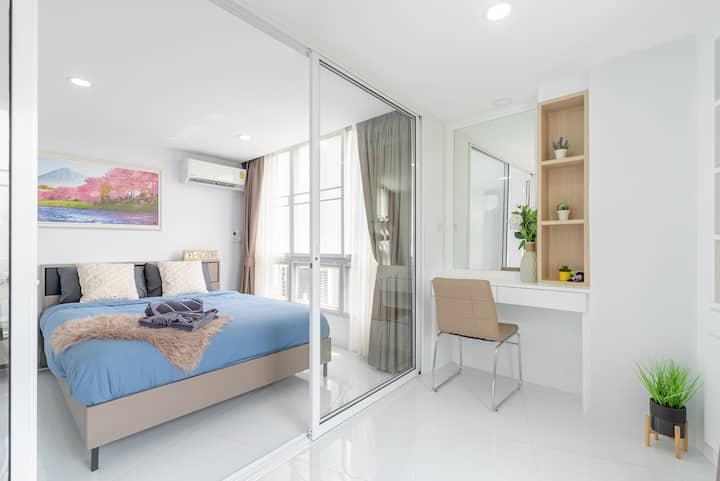 Huge&Modern Apartment (。♡‿♡。) Center of Nimman
