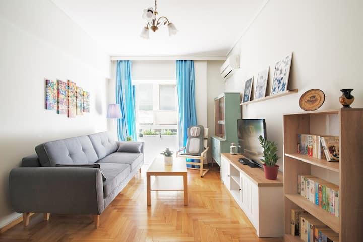 Charming and Comfortable Nea Smyrni Apartment