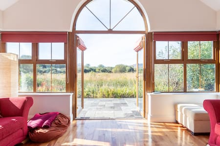 Sneem 'Ring of Kerry' Cottage - Sleeps 8