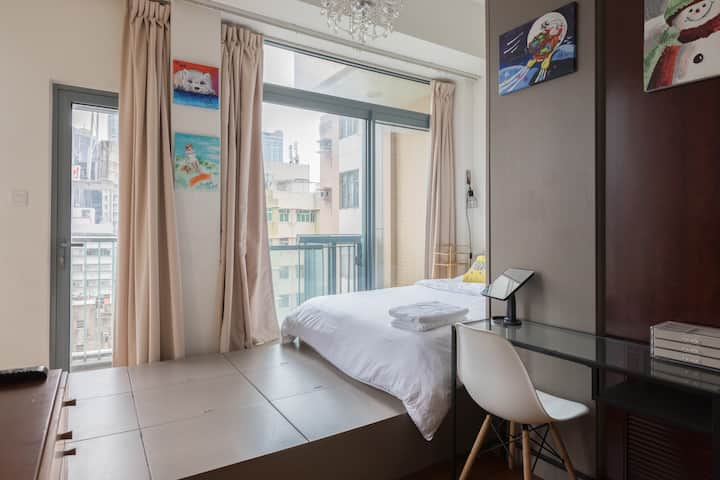 Luxury studio with balcony, MK and Olympic MTR