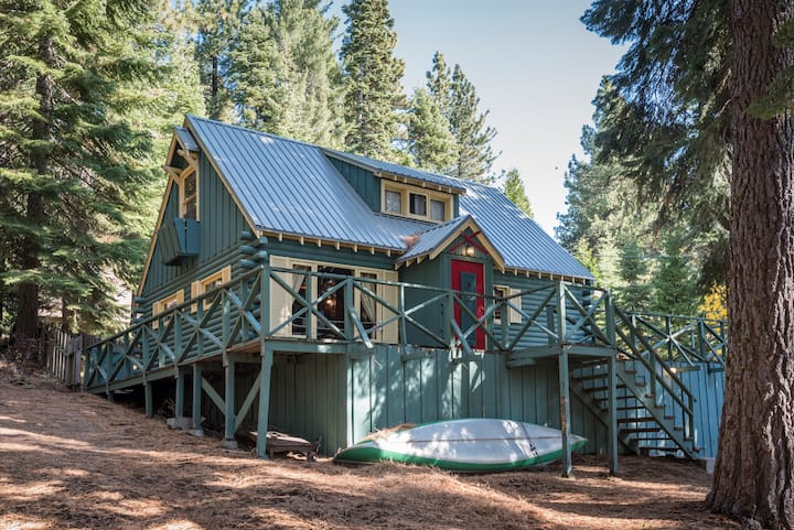 Classic Charming Tahoe Cabin