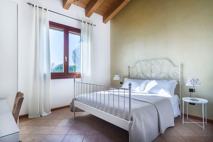 267  Modern double room near Venice