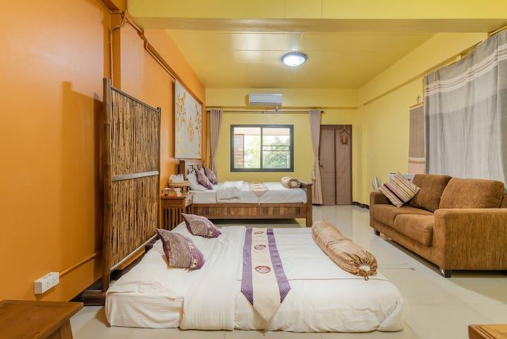 J Yim'S house No.1 【吉言家】清迈家庭旅行舒适民居•周六夜市摆到家