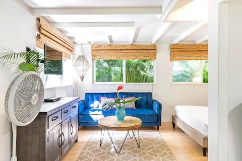 Garden Studio Cottage, 30 day min only