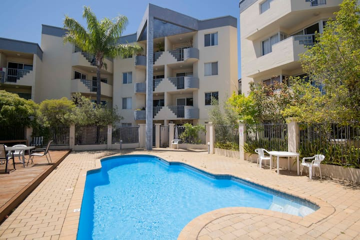Affordable Fremantle - Peaceful Oasis Walk to Town