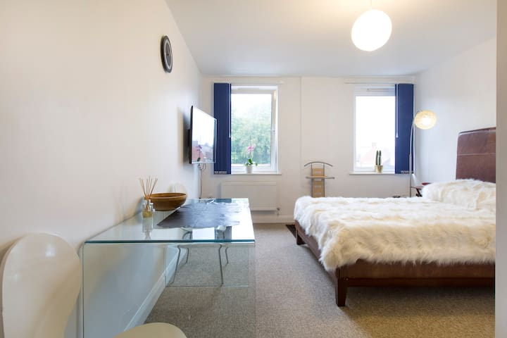 Private room in central Banbury