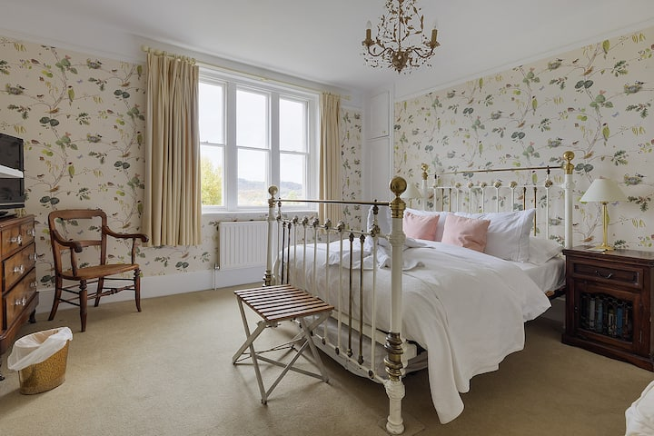Double room in Listed Victorian Villa
