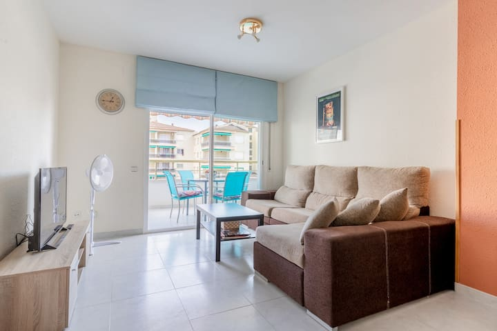 Big apartment with pool very close to the beach!