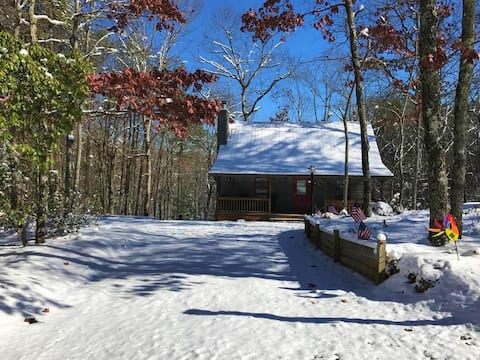 Most 5★ Reviews in the Mountains, Come see the Fall Foliage from the Firepit
