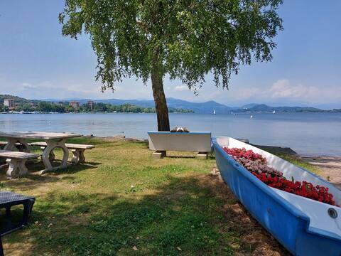 Lago Maggiore Studio 1 appartamento fronte lago e con wifi veloce