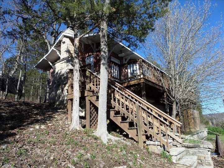 Railroad Depot Cabin, Large Stone Fire Place,  Private Deck with Hot Tub, Wooded Views Fun & Unique