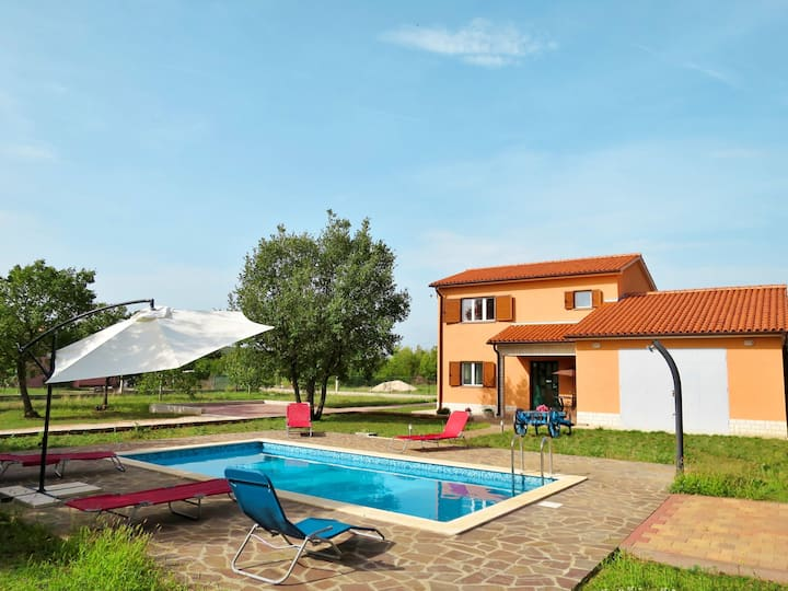 Holiday House Irma with pool in Labin