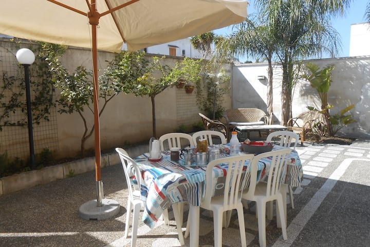 Villa Ricci , only 300 meters from the beach