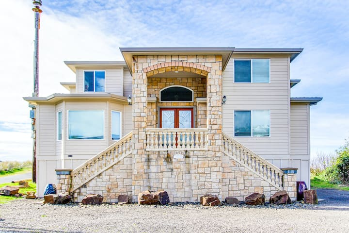 Dog-Friendly, Home w/ Private Hot Tub and an Ocean Views in an Amazing Location!