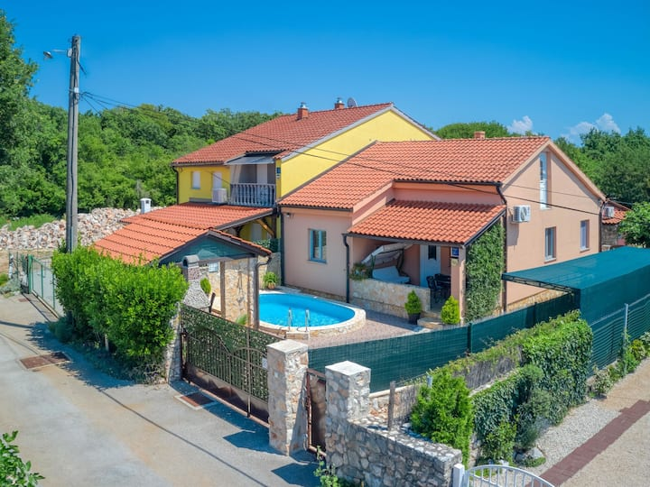 Holiday House Ana for 7 persons in Malinska