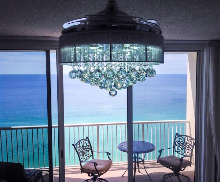 Escape! Beachfront Studio at the Majestic! Beach Lounge Chairs/Umbrella Included