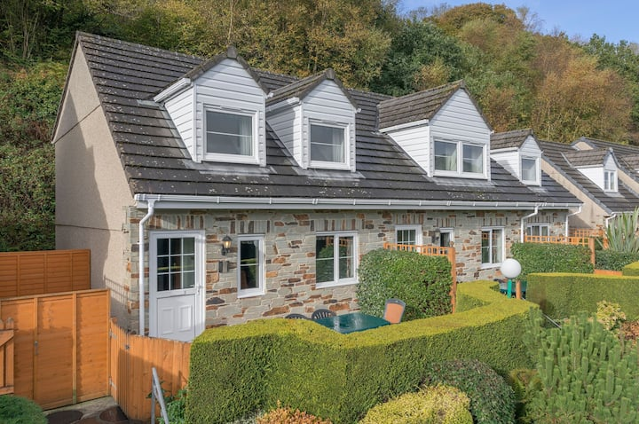 Three bedroom 'Valley View Cottage' at Crylla Valley (100221)