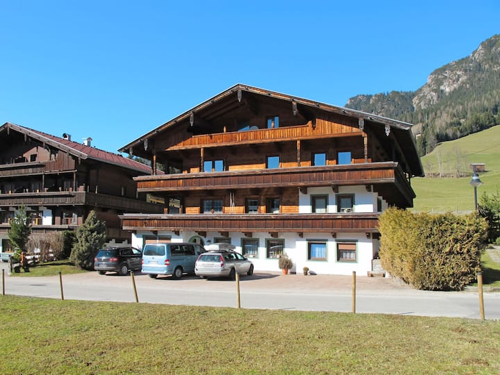 Four bedroom apartment with amazing mountain views