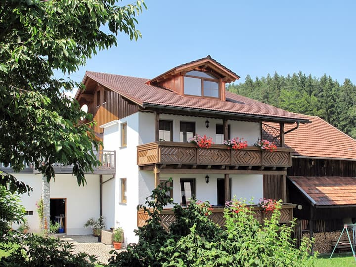 Apartment in a house with sauna and infrared cabin, peaceful location