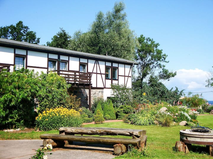 Gutspark Seeblick (KUE250) for 4 persons.
