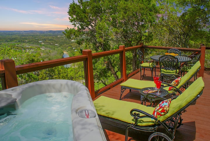 Sunset Villa - Hill Country Views + Private Hot Tub