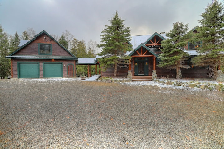 Potter's Place Main House - One ofnRangeley's finest private rental properties