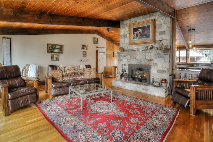 Sunset Cove - Gorgeous home on Rangeley Lake with westerly sunset views