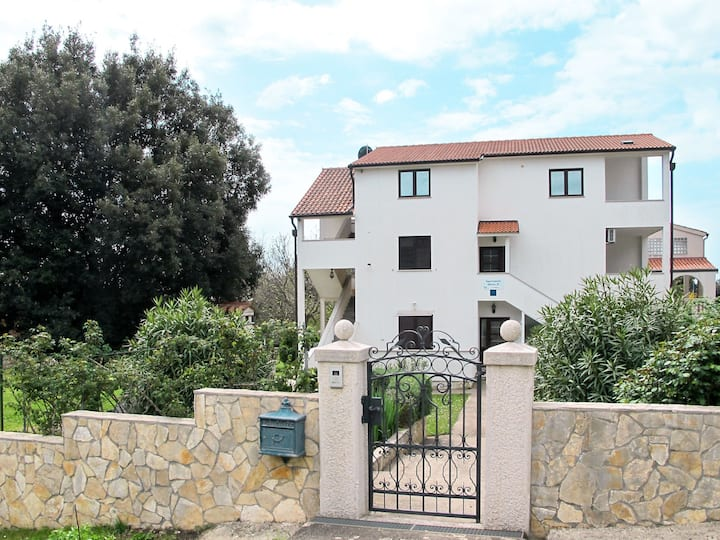 Apartment Villa Smitran