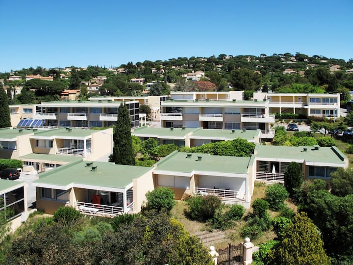 Grimaud (MAX310) for 2 persons.