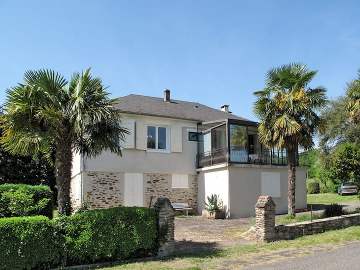 Holiday home in Altillac, relaxing and peaceful surrounding