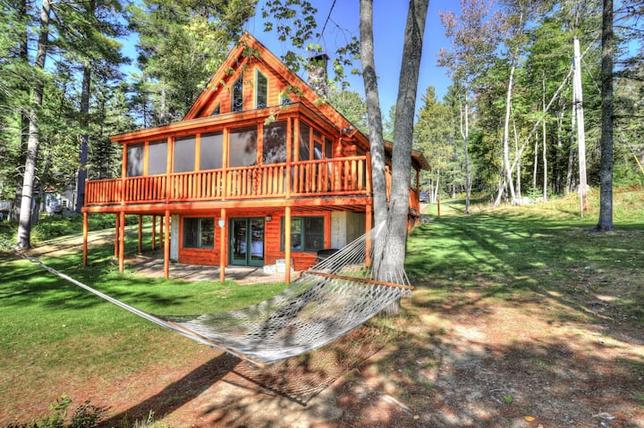 10 Sable Lane - Hillview This cabin is located right on Rangeley Lake