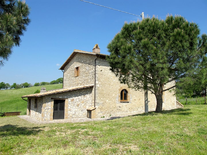 Casale Polli (BOL615) for 10 persons.