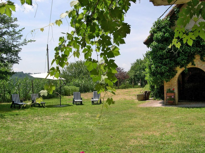 Cascina Calore (AST242) for 6 persons.