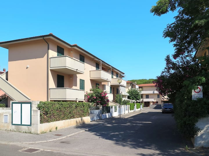 Palazzeta III (VAD150) for 5 persons.