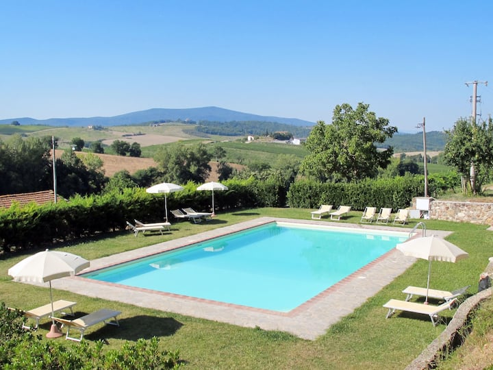 Cignanrosso - Melograno (CTC250) for 5 persons.