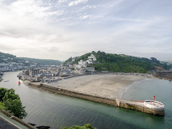 Apartment Rock Towers in Looe