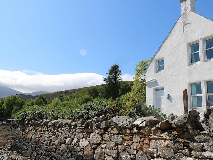 House for 4 persons in Mid Skye