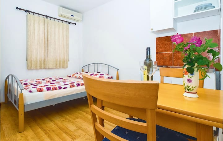Amazing home in Mimice with WiFi and 0 Bedrooms