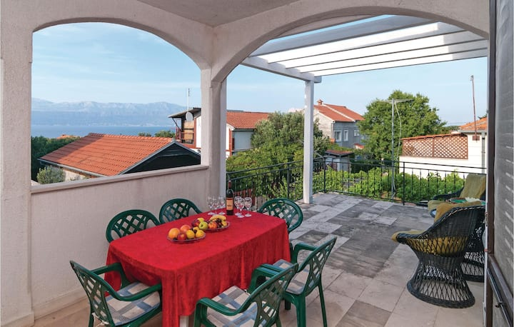 Cozy holiday apartment for 6 on the beautiful Island of Brac