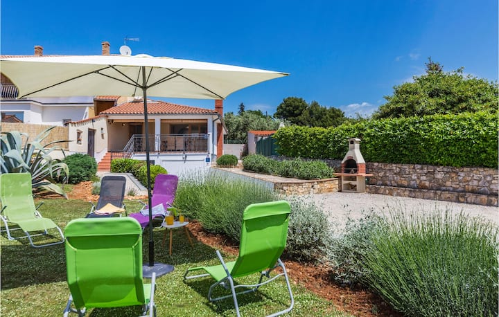 Awesome home in Vabriga with WiFi and 2 Bedrooms